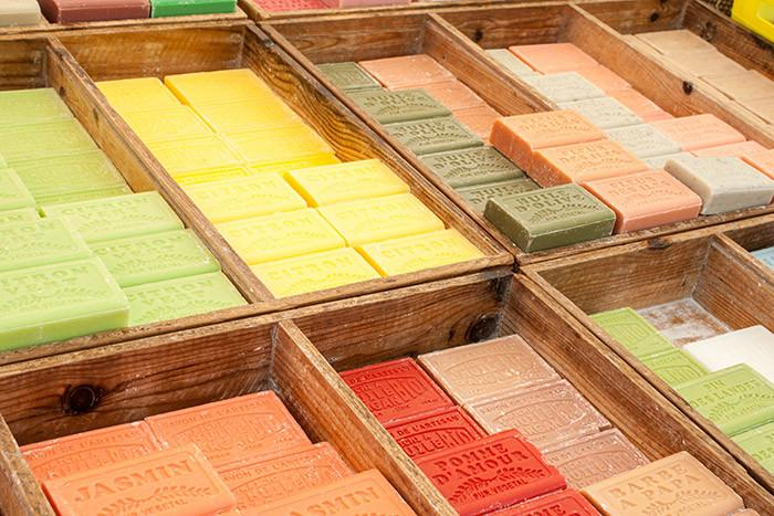 L'Occitane en Provence: Premium French Bath Products at Discount Prices