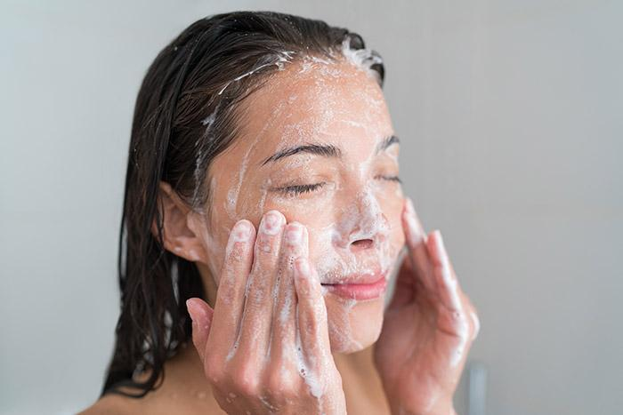 How To Wash Your Face the Right Way