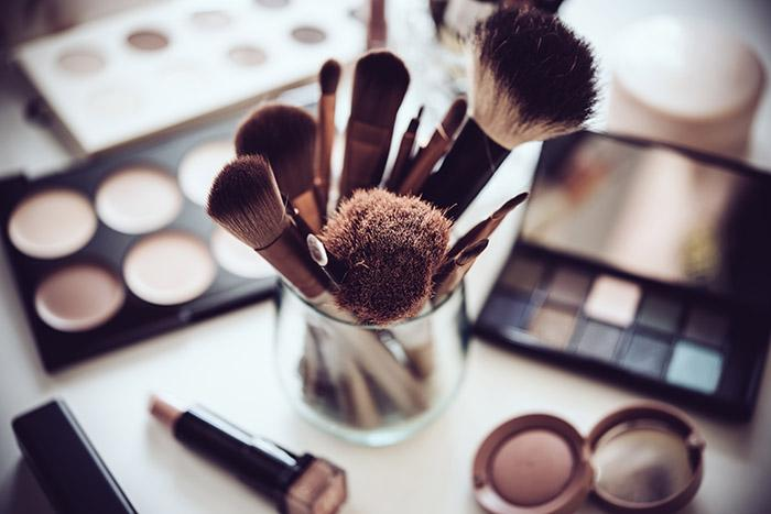Your Guide to Makeup Brushes: How to Use Each Makeup Brush