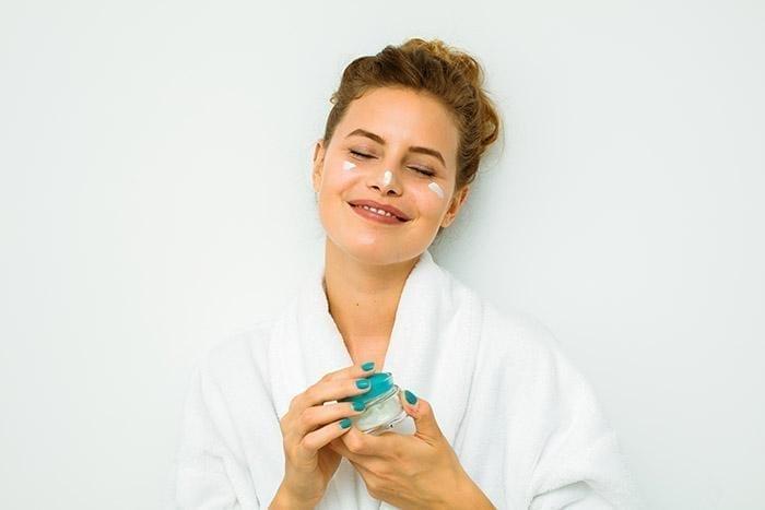 Benefits of Hyaluronic Acid | Ultra Moisturizing, Collagen Boosting Skin Care