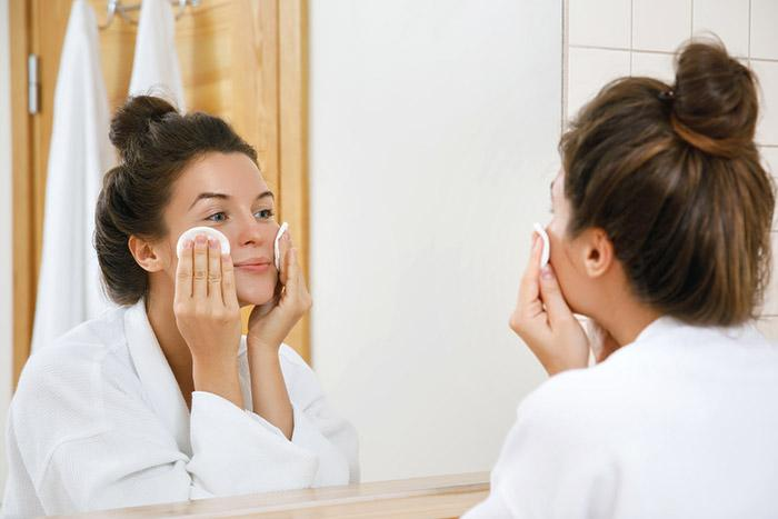 Take It All Off: Why You Should Remove Your Makeup
