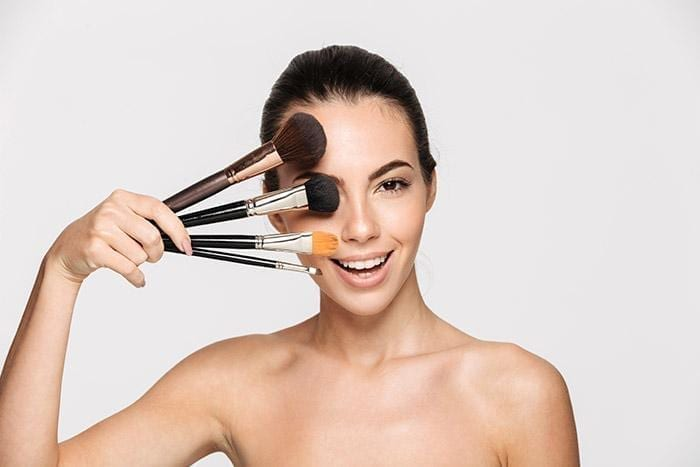 The Makeup Brush Guide for Life: Keeping your Brushes Clean