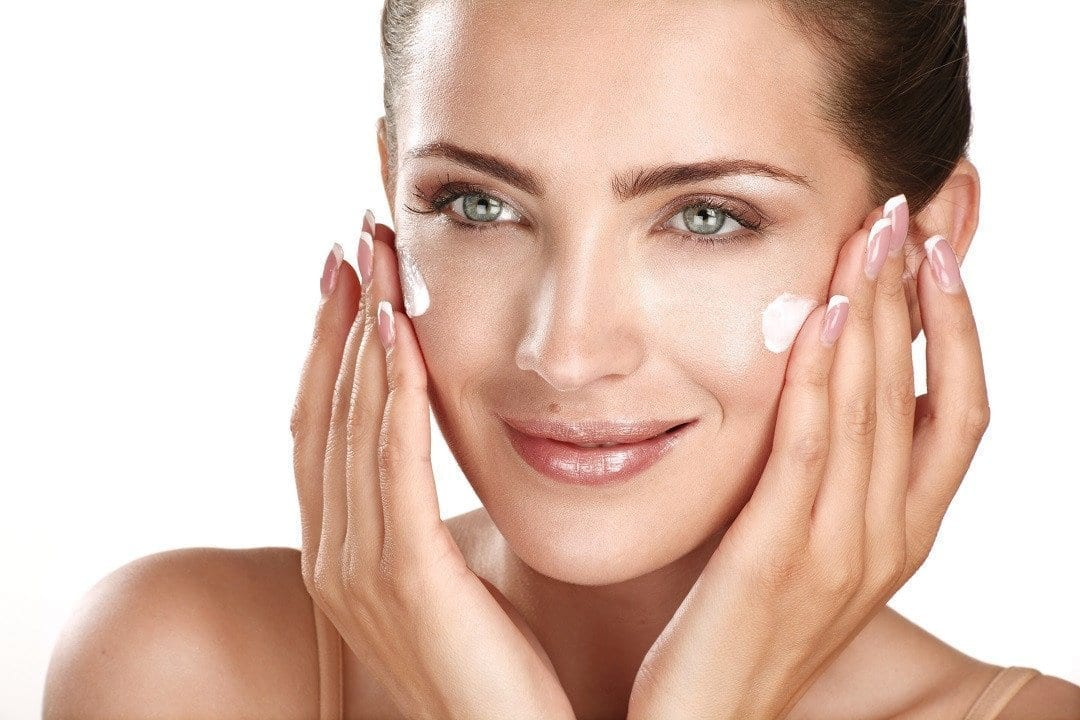 Why You Need a Facial Cream With Vitamin C