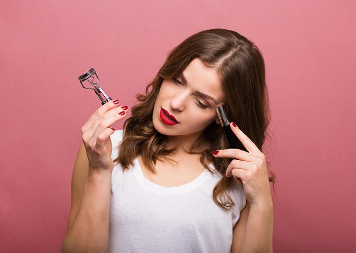 Sealing the Deal With Perfect Lashes