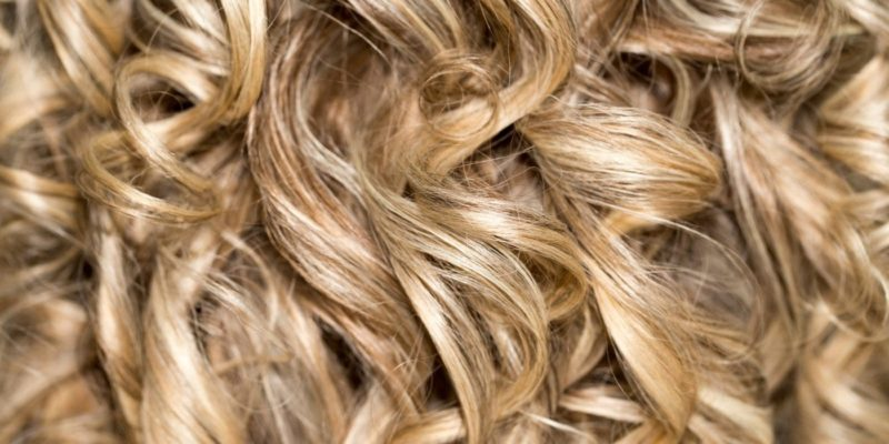 Your Curly Hair Care Guide: How to Wash with Natural Hair Shampoo