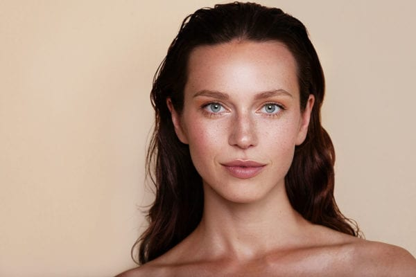 Which Type of Makeup is Best for Oily Skin?