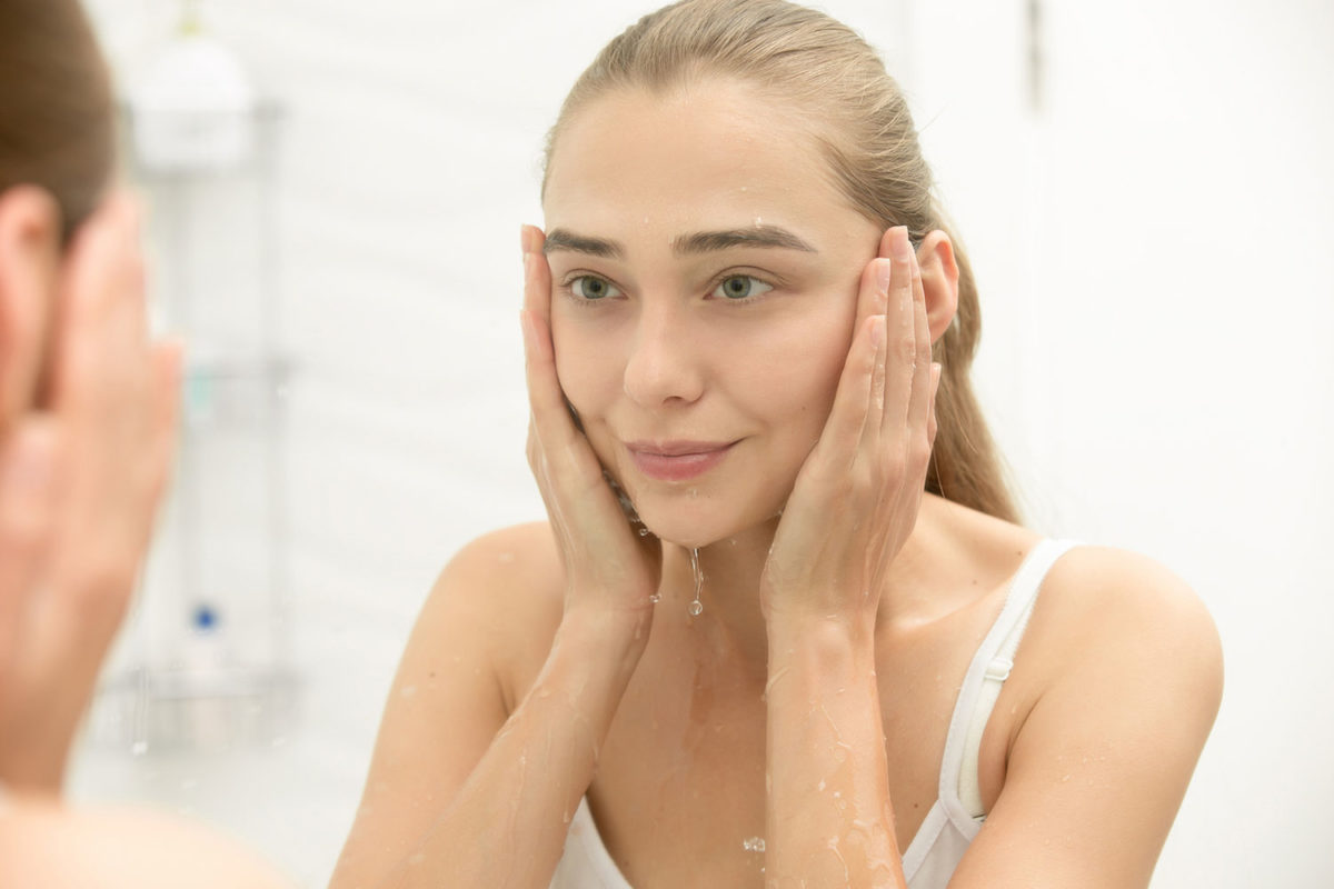 The Best Makeup Remover for Acne Prone Skin