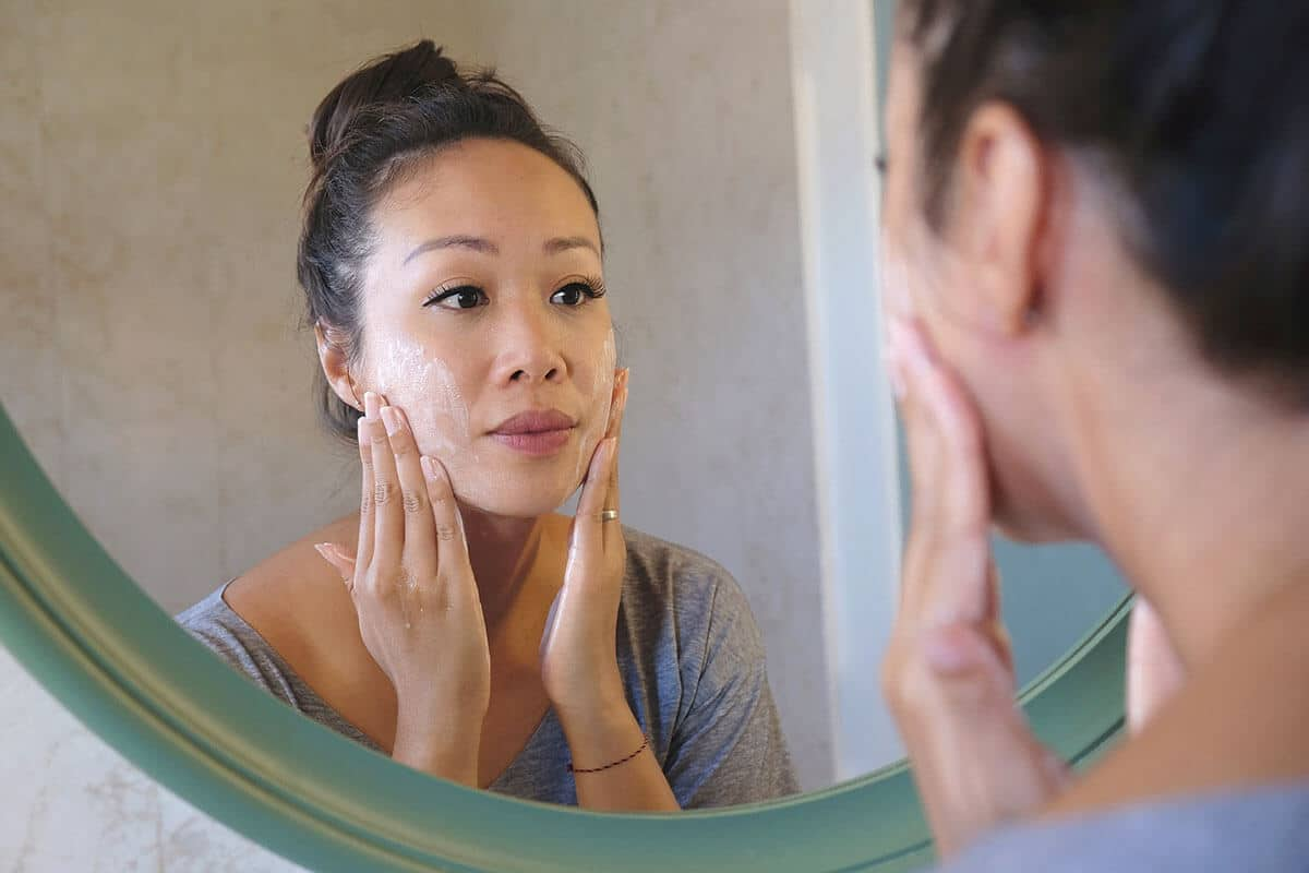The Anti-Aging Benefits of Exfoliating